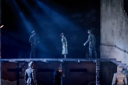 Tosca - Ekaterina Metlova, Grange Park Opera chorus